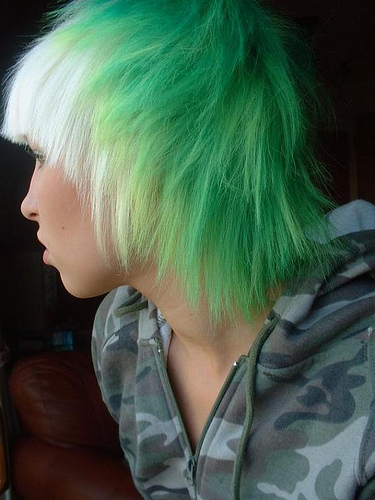 Modern-Emo-scene-hair-trends-and-colors