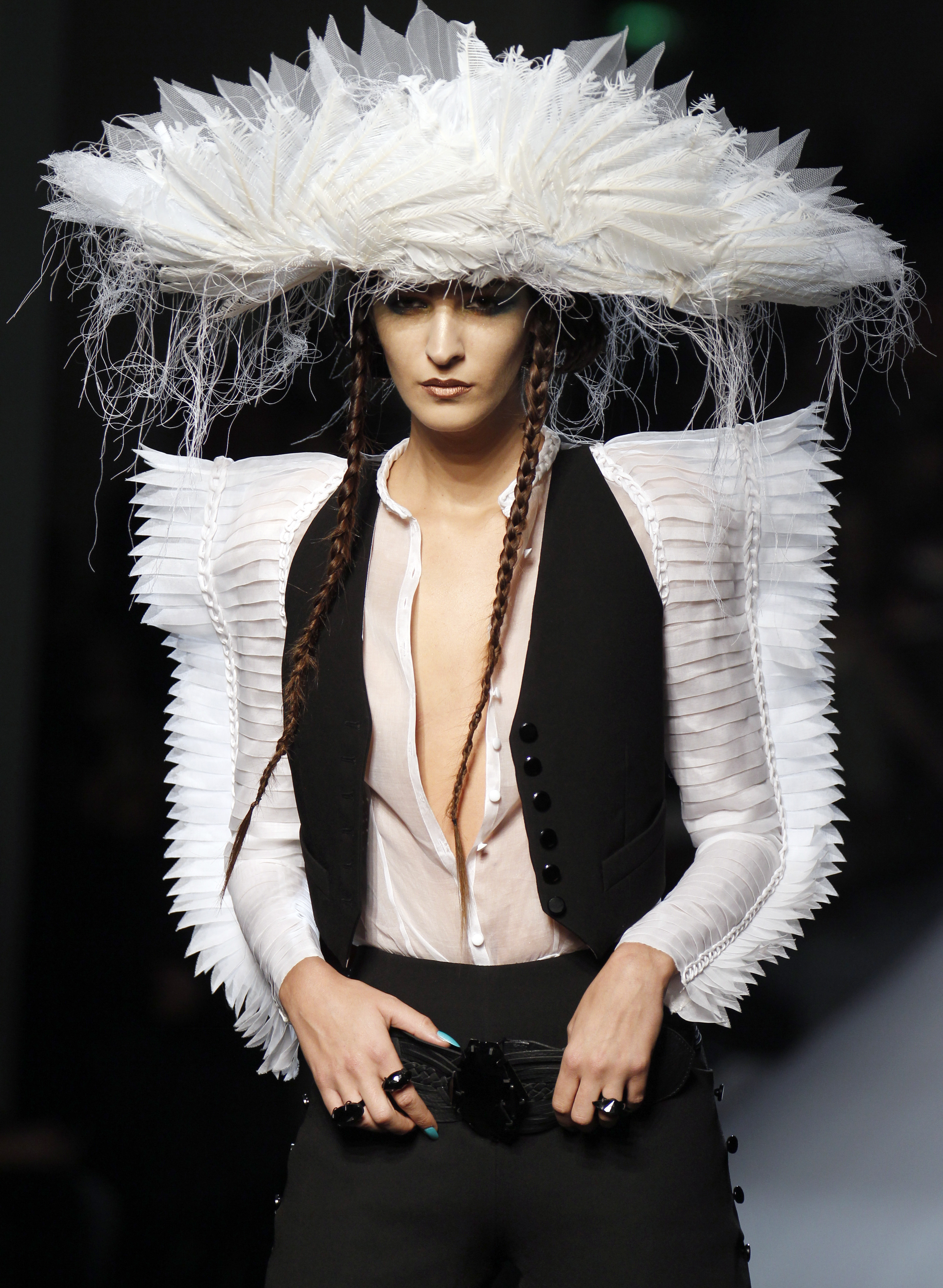 301 moved permanently for Jean paul gaultier clothing